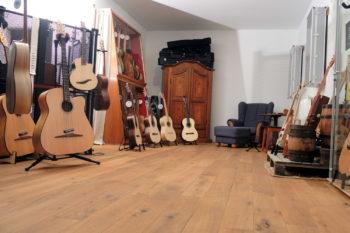 stoll gitarrenbau waldems ausstellungsraum