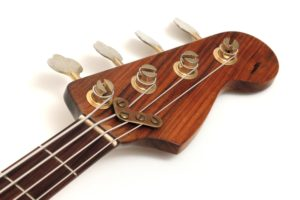 Schecter / Krempel E-Bass gebraucht Gitarrenbauer überarbeitet